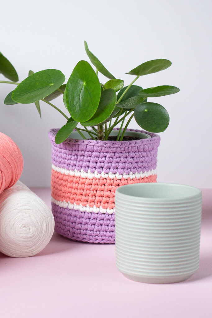 Upcycling mit Textilgarn - Blumentöpfe in neuem Glanz