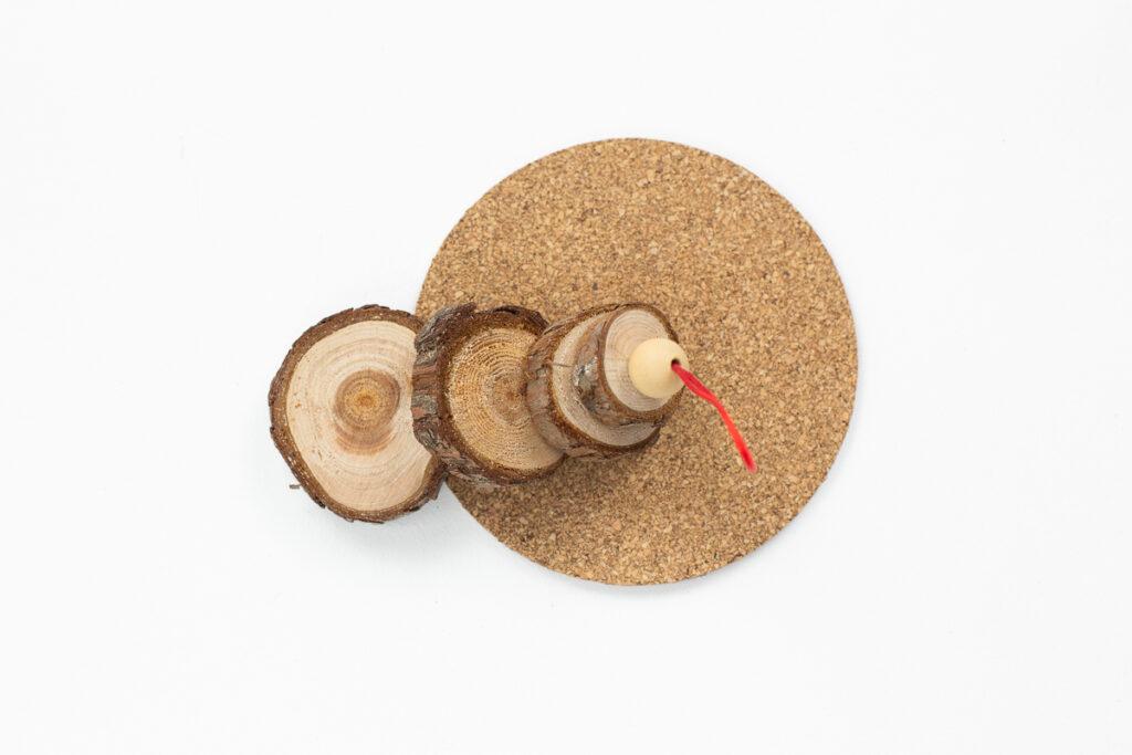 DIY Tannenbaumanhänger aus Astscheiben basteln - Einfache Weihnachtsdekoration