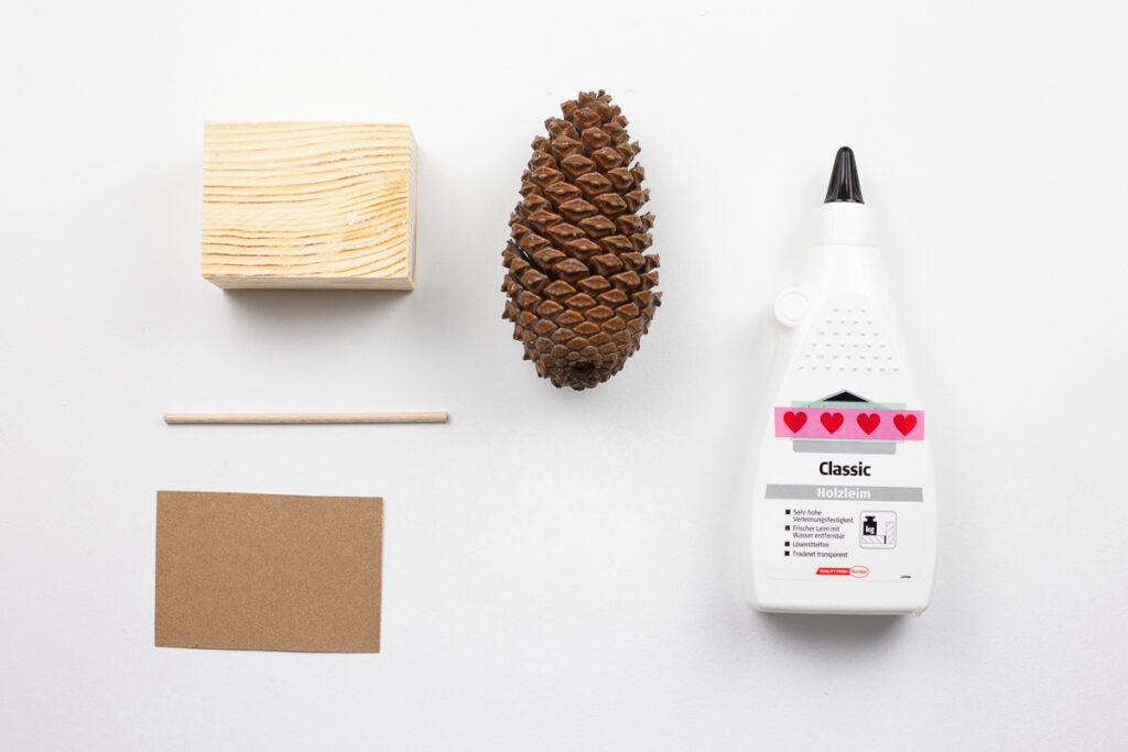Skandinavische Weihnachtsdekoration selber machen - DIY Tannenzapfendeko