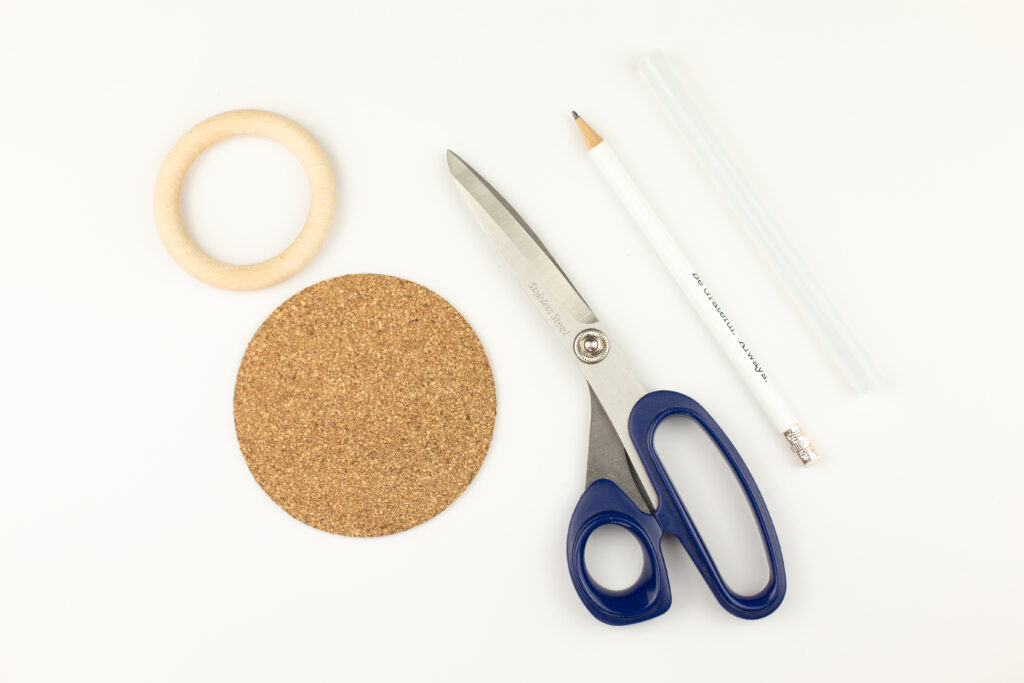 DIY Stiftebecher aus Holzringen basteln