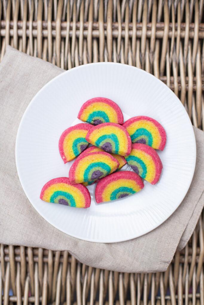 Leckere Regenbogen Kekse selber machen