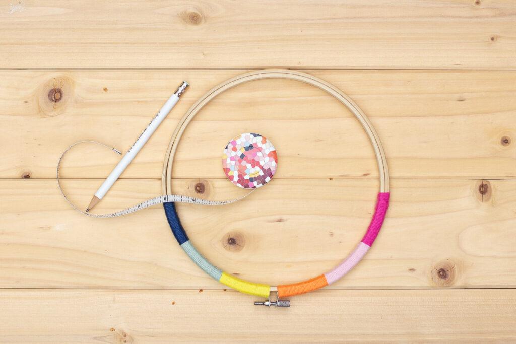 DIY Fiber Rainbow - Stickrahmen Dekoration selber machen