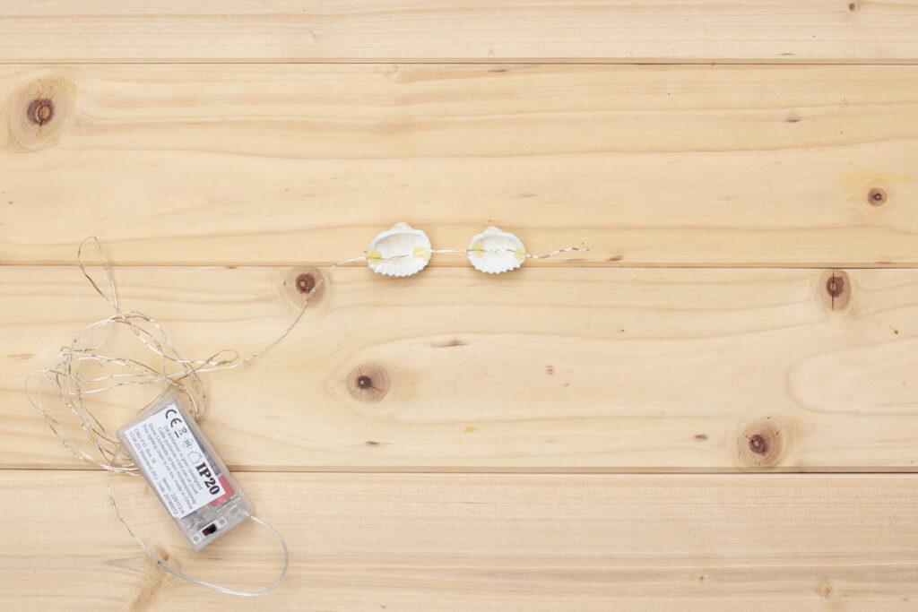 Maritime Deko selber machen - DIY Muschel Lichterkette