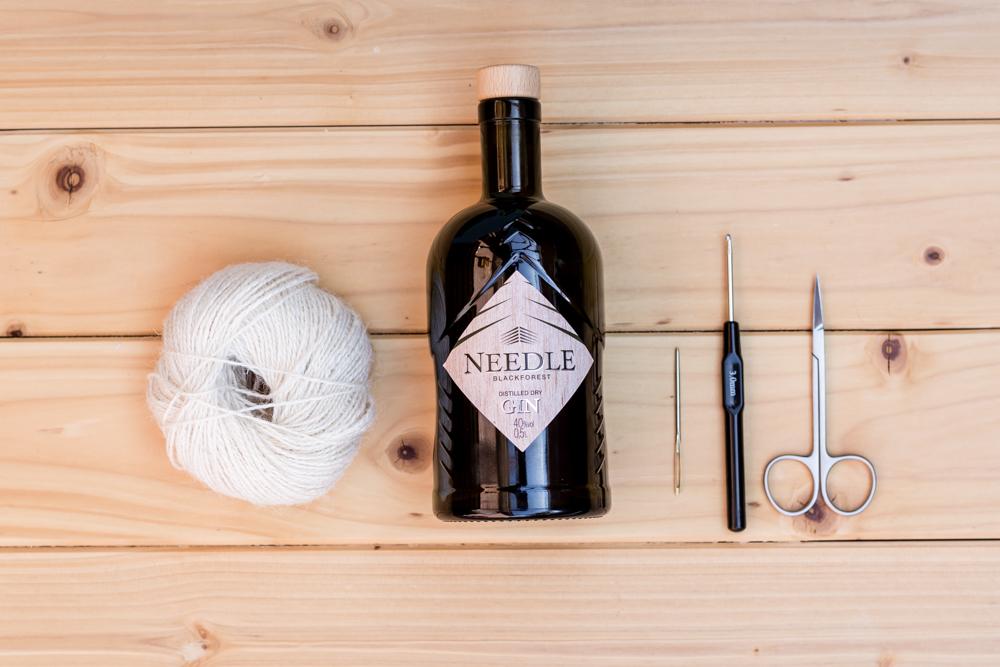 DIY Boho Deko aus Glasflaschen selber machen mit Needle Gin [Werbung]