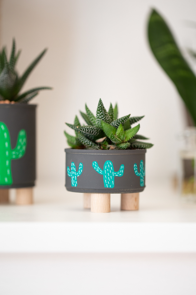 DIY Blumentopf selber machen - Mini Plant Stand aus Dosen