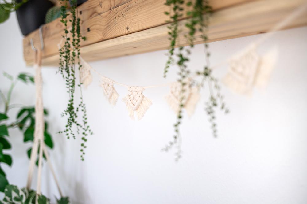 Eine Makramee Girlande selber machen - DIY Anleitung für Anfänger
