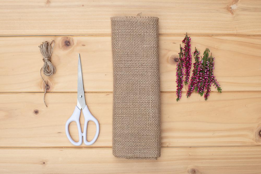 DIY Windlicht mit Heidekraut selber machen - Natürliche Herbstdeko für den Tisch