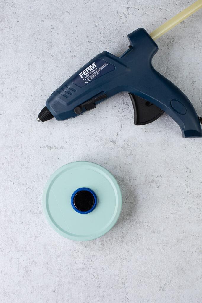 DIY Dosen Upcycling - Ordnung an der Wand. Eine Magnetische Aufbewahrung basteln.