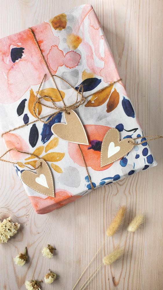 DIY Geschenkanhänger aus Milchtüten basteln