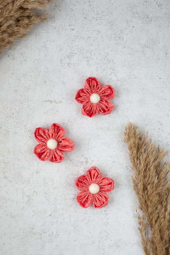 Stoffreste verwerten - DIY Stoffblumen basteln